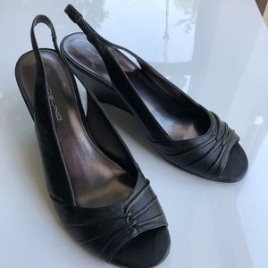 Bandolino strappy leather pumps wedge heel size 8M